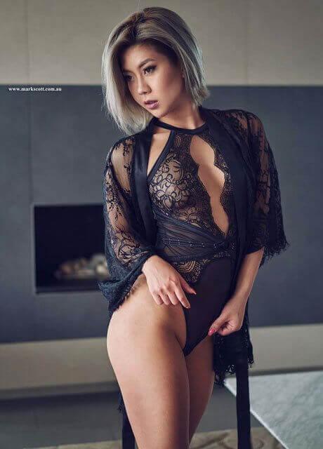 curvy model asian