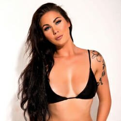 brown haired tattooed model