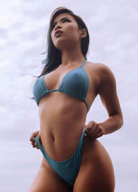 chyna-waitress-asian