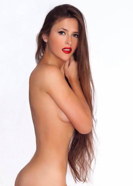 anastasia topless waitress sydney2 1