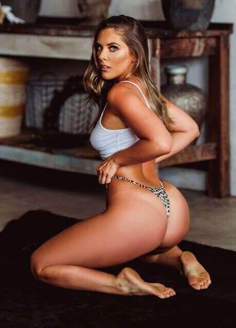 cienna topless waitress perth1