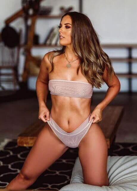 cienna topless waitress perth2